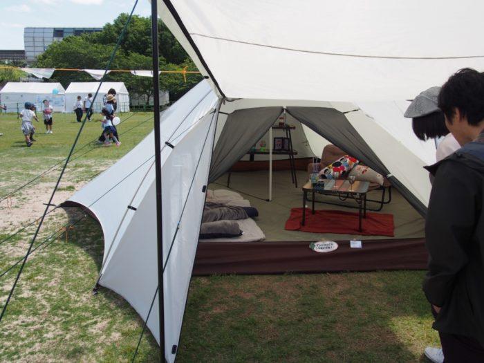 アウトドアパーク2018 ロゴスの白いテント