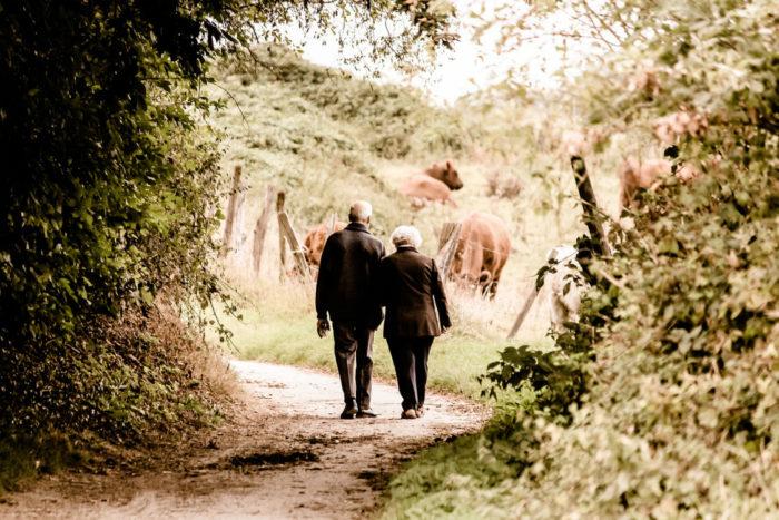 老夫婦、老後の生活