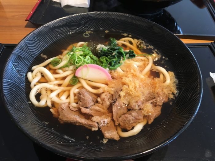 2018-07-08麺菓装の牛すじうどん2