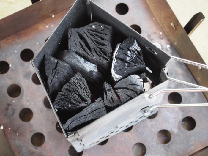 火起こし器 炭の並べ方