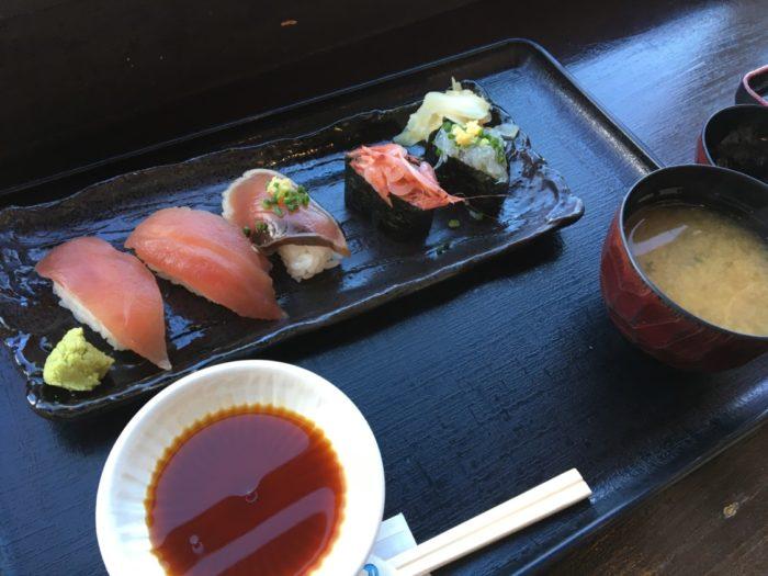 富士川楽座の握り寿司セット