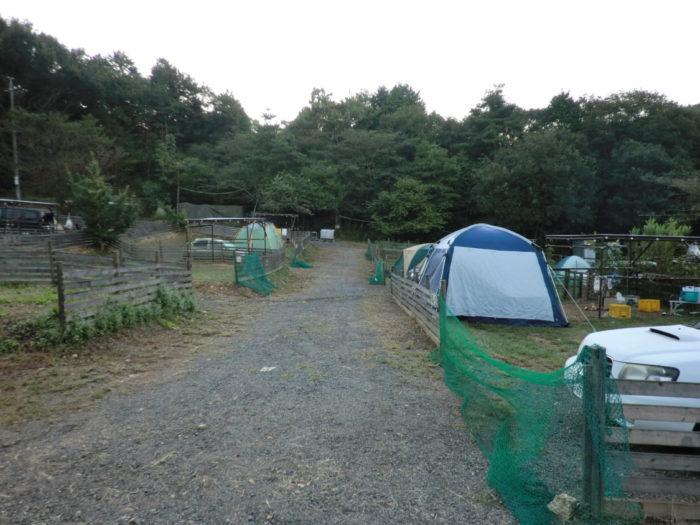 20110923アウトドアベース犬山キャンプ場 立派なテント