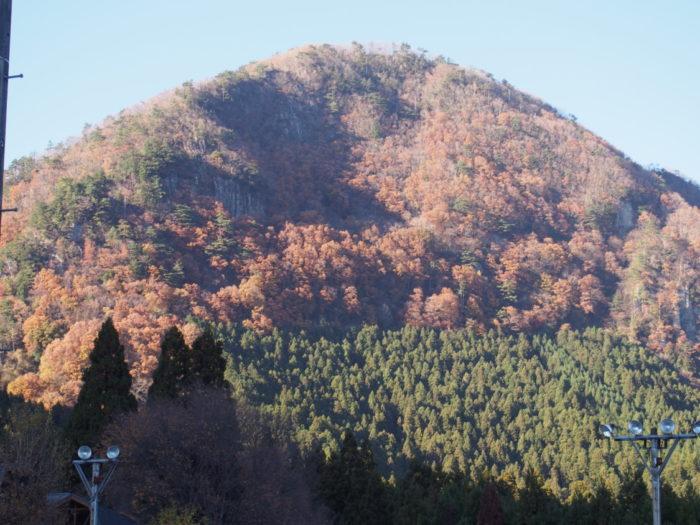 20131130サンビレッジ曽爾 山の景色