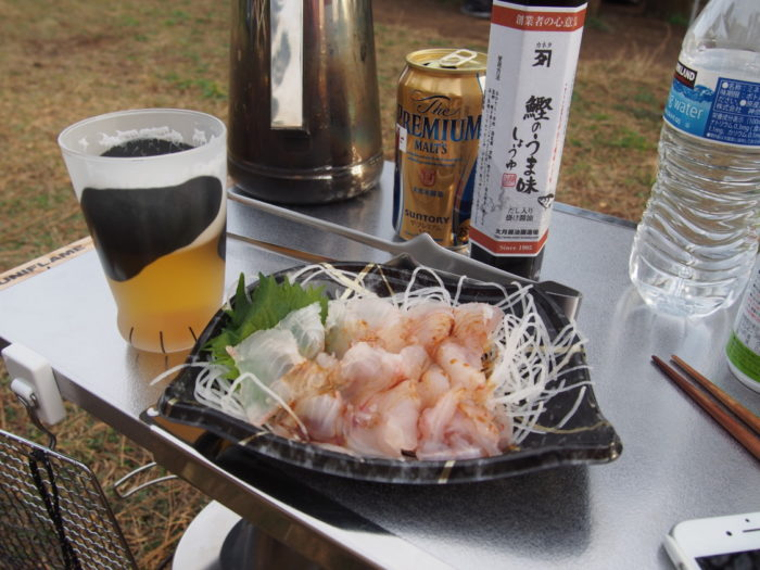 201812潮岬キャンプ ヒラメの刺身