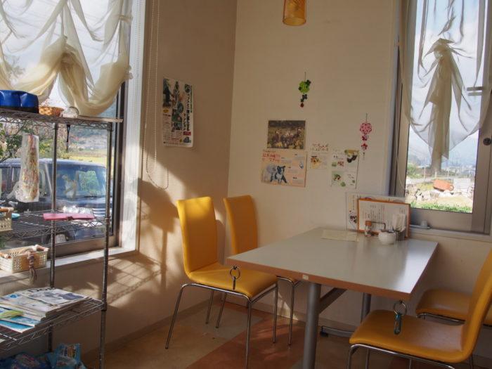 キラキラ テーブル席
