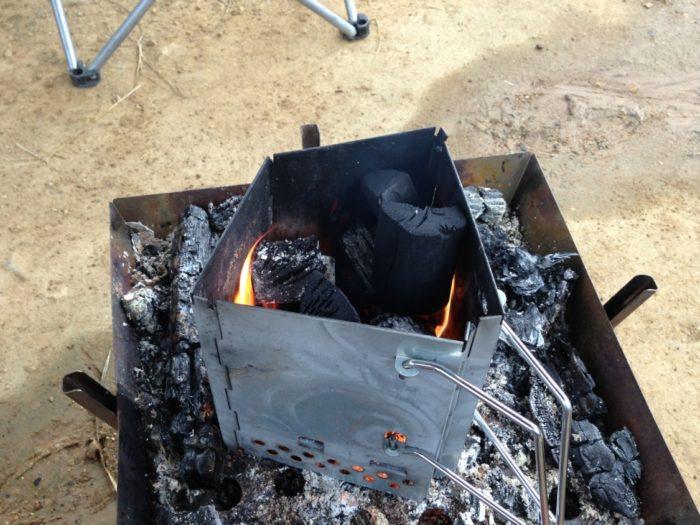 犬山キャンプ場 朝BBQの準備