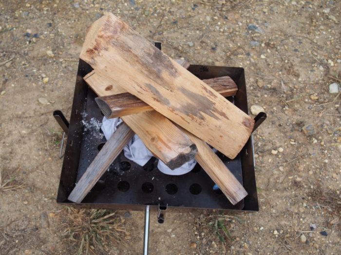 犬山キャンプ場 焚き火の準備