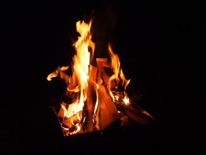 犬山キャンプ場 夜の焚き火