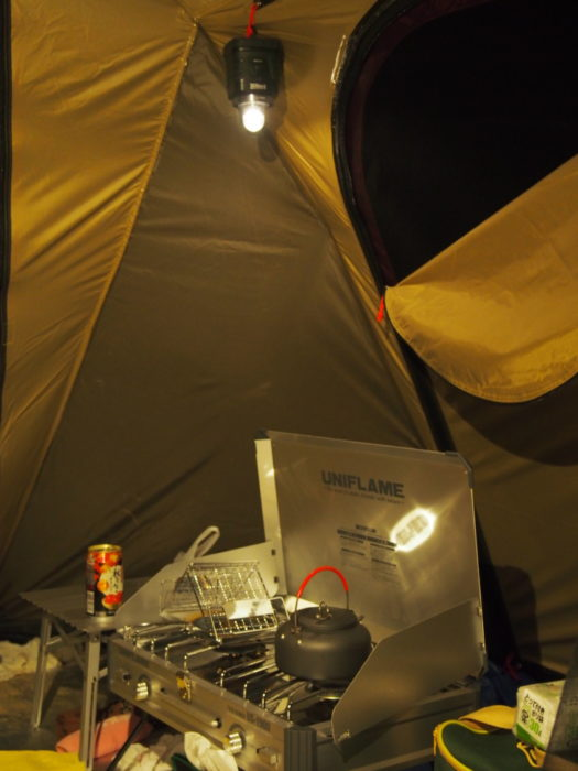 犬山キャンプ場 テントのリビング