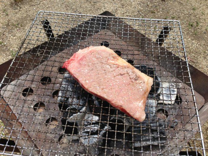 紀州加太オートキャンプ場 BBQで炭火焼きステーキ