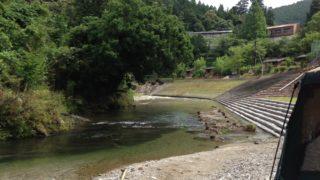 2013-07-06細野渓流キャンプ場 河原にタープ設営