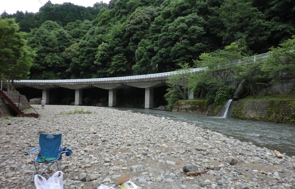 20120623滝畑湖畔バーベキュー場 河原
