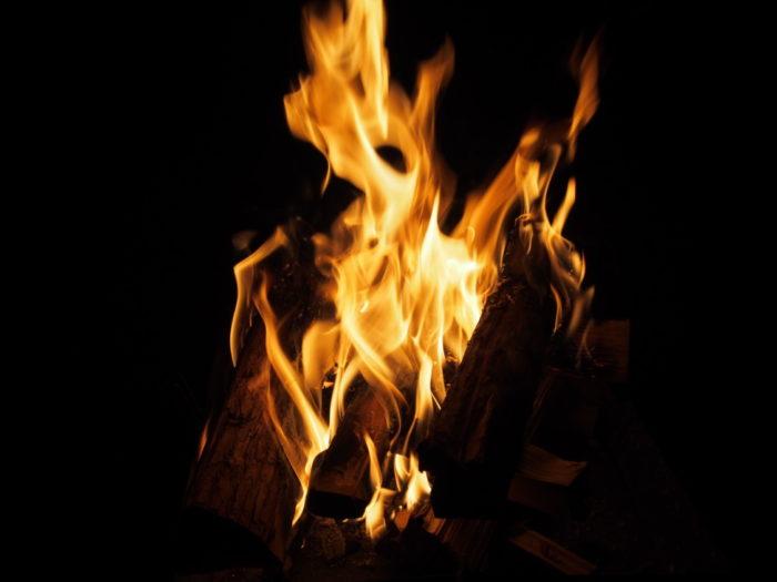はるの川音の郷 焚き火