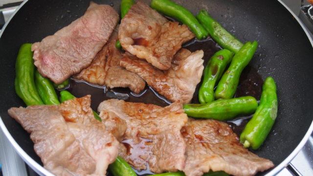 紀州加太オートキャンプ場 フライパンで焼き肉