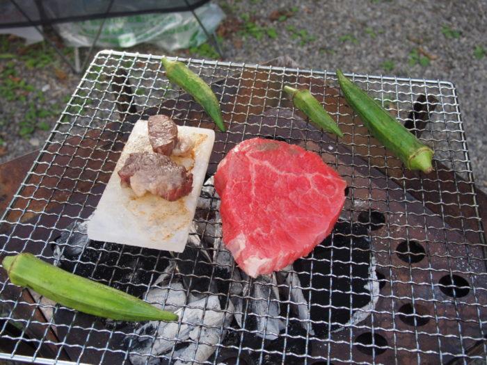 アイリスパーク 岩塩プレートでステーキ
