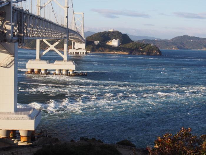 鳴門大橋の渦潮