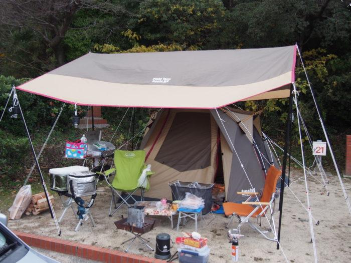 南淡路シーサイドキャンプ場 テント設営