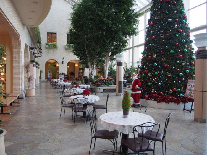 淡路ハイウェイオアシスのクリスマスツリー
