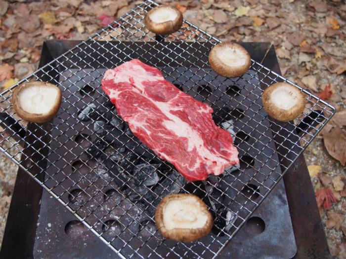 高ソメキャンプ場 BBQのステーキ肉