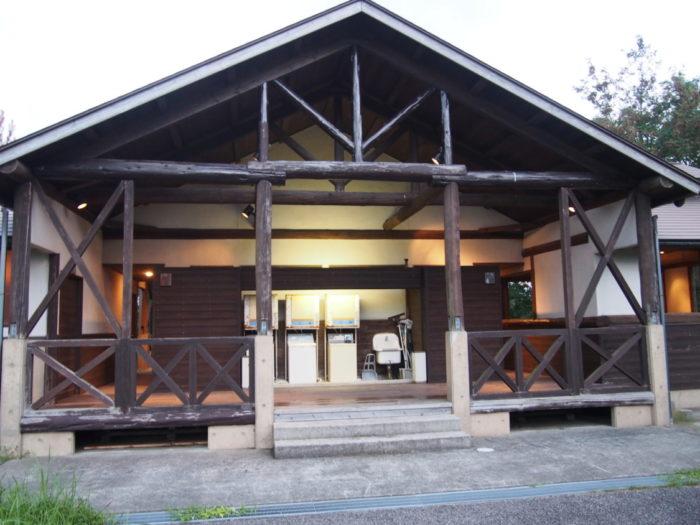 2014-09-13鉢ヶ崎オートキャンプ場 トイレとコインランドリー