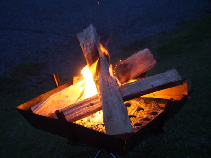 2014-09-13鉢ヶ崎オートキャンプ場 焚き火