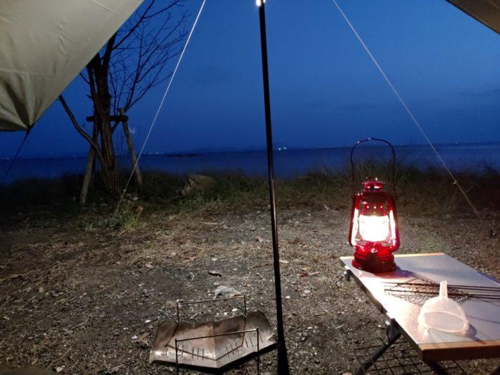 2019-11-01 丸山県民サンビーチ タープの下のオーシャンビュー