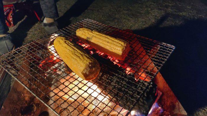 2019-11-13 焚き火でトウモコロシ