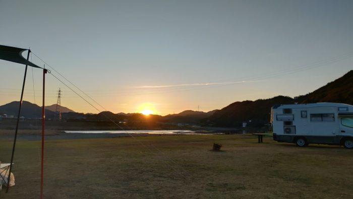 2020-01-19野口オートキャンプ場 朝焼け