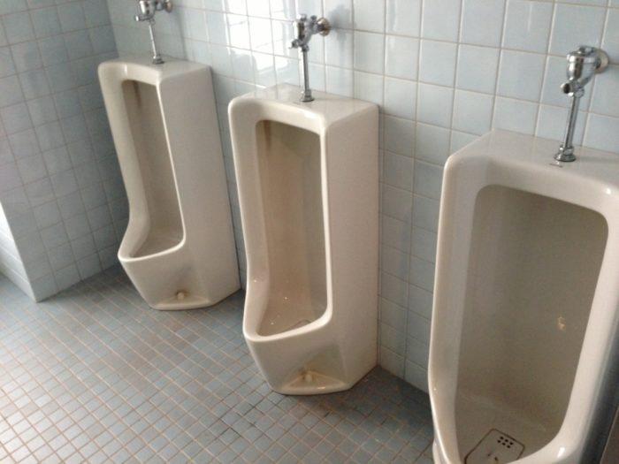 2013-05-01南レクオートキャンプ場 男子トイレ