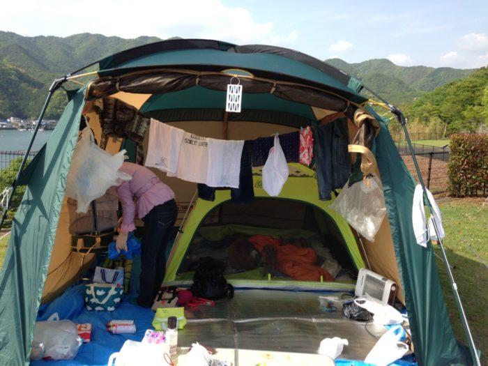 2013-05-01南レクオートキャンプ場 生活感あふれるタープ
