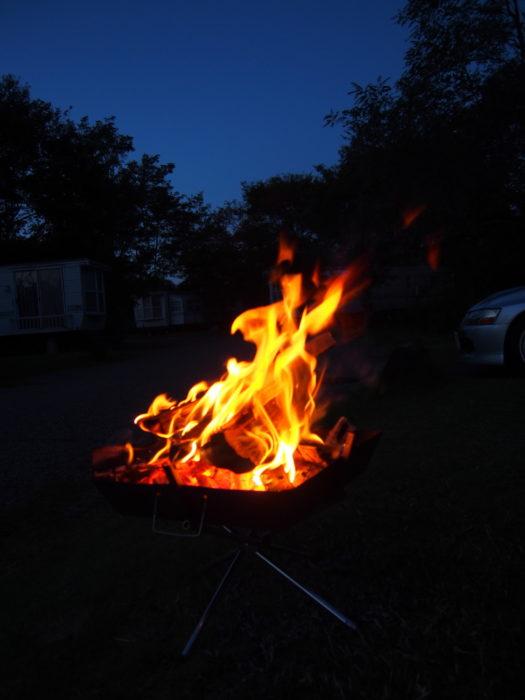 2014-09-14鉢ヶ崎オートキャンプ場 暗い中での焚き火