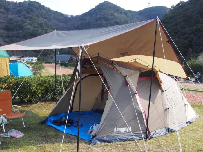 2013-12-31じゃのひれオートキャンプ場 アルマディ4とタープ