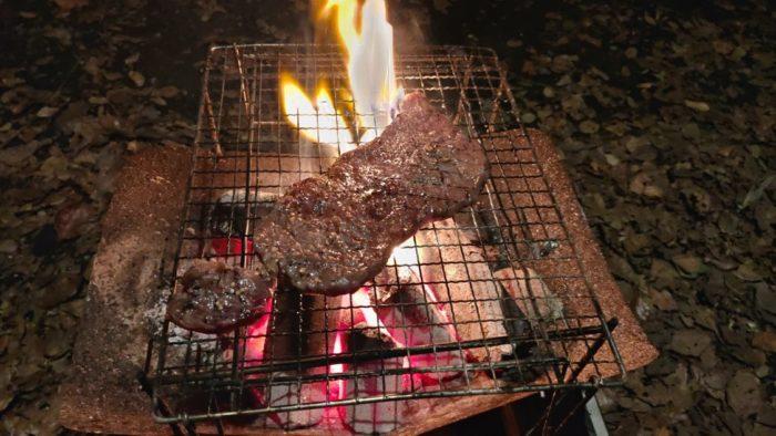 2020-10-24 炭火でステーキ