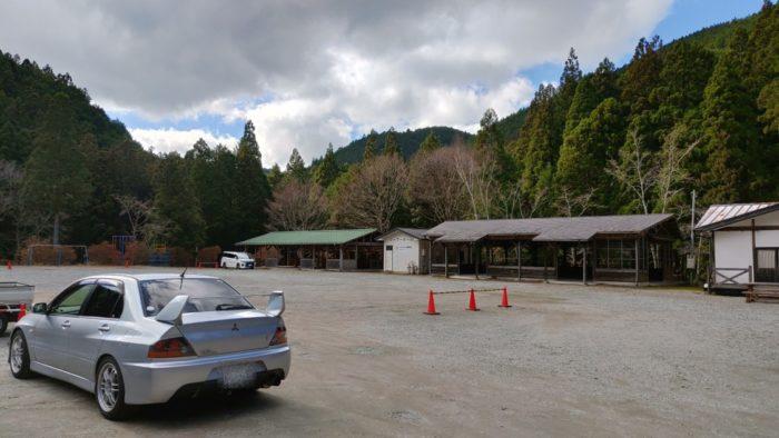 洞川キャンプ場 駐車場