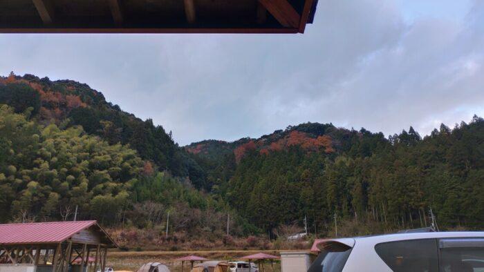 毛原オートキャンプ場 山の景色