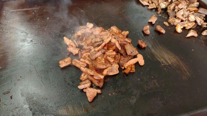 玉城食品 鉄板のホルモン焼き