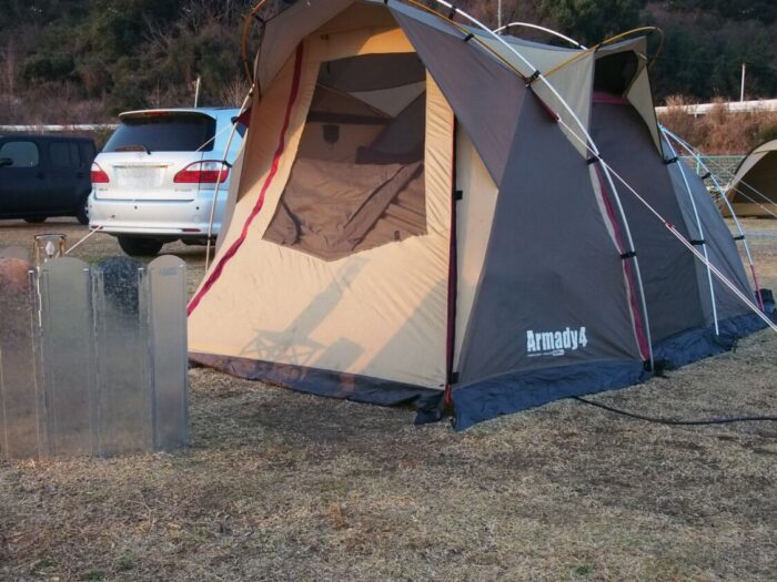 野口オートキャンプ場 朝日に照らされるアルマディ