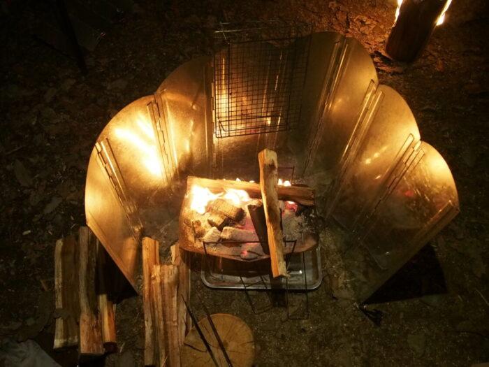 奥琵琶湖キャンプ場 焚き火で炭熾し