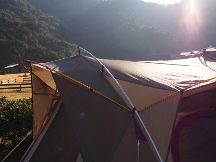2014じゃのひれ元旦キャンプ 陽に照らされるテント